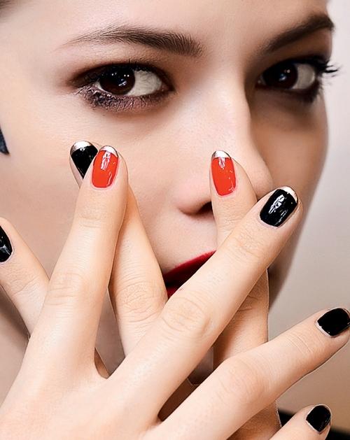 Маникюр и педикюр по Оракулу, стрижка ногтей, когда лучше стричь ногти, благоприятные дни, календарь