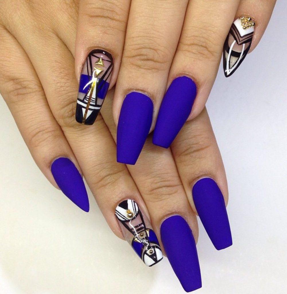 Красивая форма ногтей фото касается